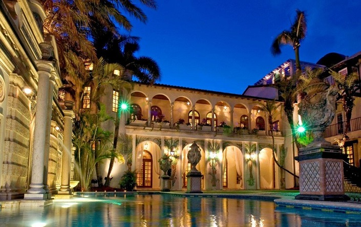 Versace Mansion: 20 Amazing Facts About Casa Casuarina versace mansion Versace Mansion: 20 Amazing Facts About Casa Casuarina Casa Casuarina Miami Versace2