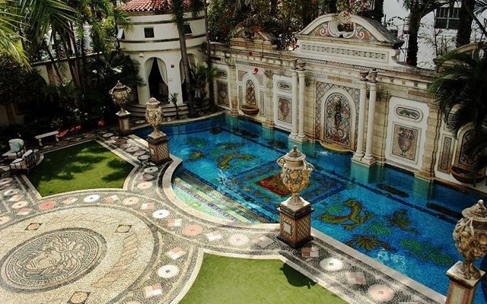 Versace Mansion: 20 Amazing Facts About Casa Casuarina versace mansion Versace Mansion: 20 Amazing Facts About Casa Casuarina Casa Casuarina Miami Versace3
