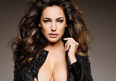 You need to see the 2015 Pirelli Calendar! kelly brook official calendar 2015 preview 4 404x282