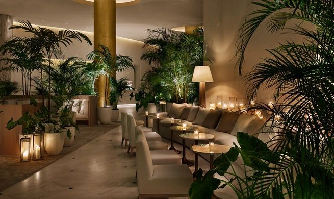 100 BOUTIQUE HOTELS THE ULTIMATE INTERIOR DESIGN GUIDE WITH 100 BOUTIQUE HOTELS 21147 crop 940x604 lobby night candles 1870x1401 655x390