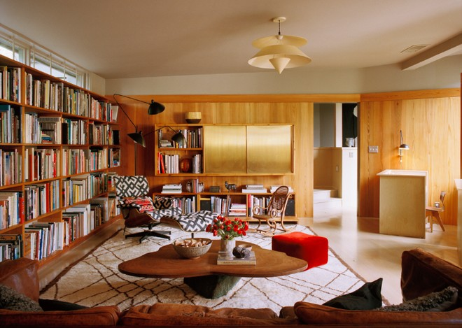 fall-in-love-with-these-15-mid-century-modern-living-rooms