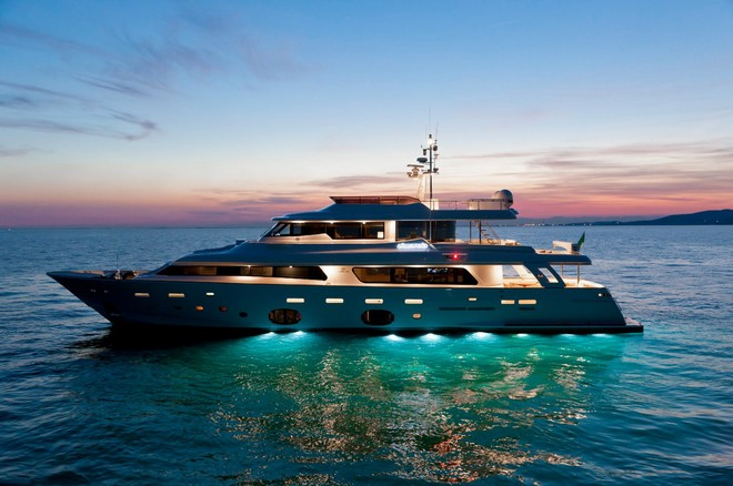 Yachts Miami Beach 2017 Yachts Miami Beach 2017 Ferretti Navetta 33 Crescendo Ziacanaia 1