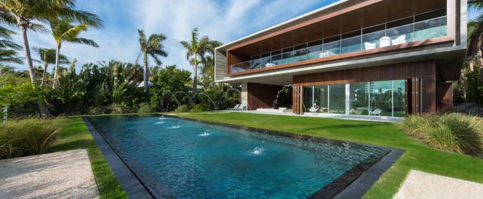 Studio MK27 Designed This Miami Beach Home With A Lagoon studio mk27 Studio MK27 Designed This Miami Beach Home With A Lagoon Miami Beach House Marcio Kogan MK 27 3 944x390