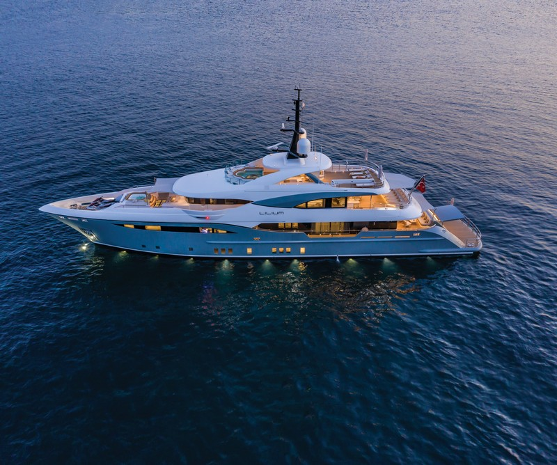 lilium yacht Lilium Yacht, The Ultimate Luxurious Yacht Interiors Experience Lilium Yacht The Ultimate Luxurious Yacht Interiors Experience 6