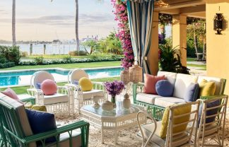 liz lange Liz Lange's Tropical Holiday Home in Palm Beach Fashion Maven Liz Lange Crafts a Palm Beach Getaway with Personality 1 324x208