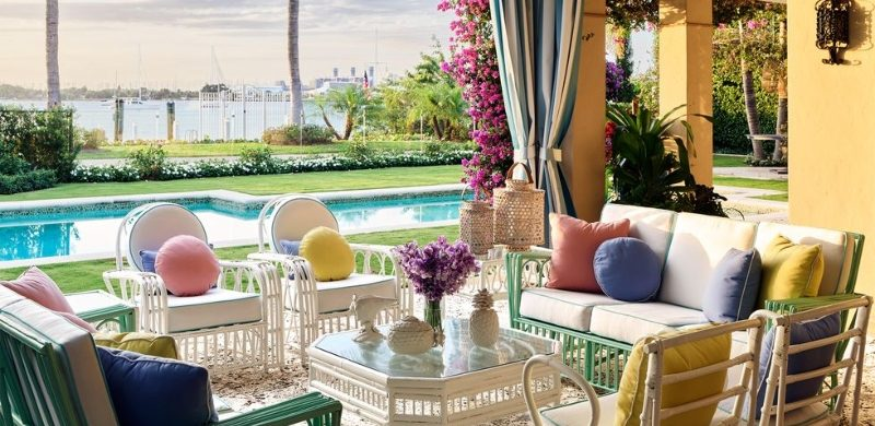 liz lange Liz Lange's Tropical Holiday Home in Palm Beach Fashion Maven Liz Lange Crafts a Palm Beach Getaway with Personality 1 800x390