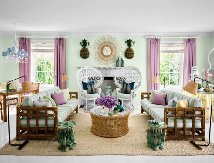 Liz Lange's Tropical Holiday Home in Palm Beach liz lange Liz Lange's Tropical Holiday Home in Palm Beach Fashion Maven Liz Lange Crafts a Palm Beach Getaway with Personality 2 705x535