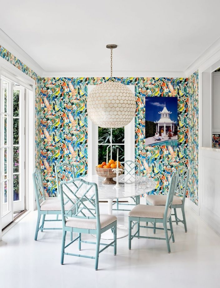 Liz Lange's Tropical Holiday Home in Palm Beach liz lange Liz Lange's Tropical Holiday Home in Palm Beach Fashion Maven Liz Lange Crafts a Palm Beach Getaway with Personality 7 705x921